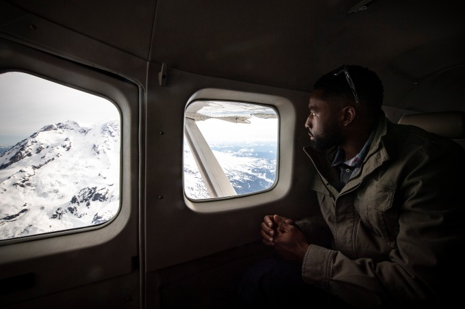 SEATTLE, WA - MARCH 27: Jackie Bradley Jr. #19 of the Boston Red Sox looks out the window during a charter flight over Mount Rainier in Seattle, Washington on March 27, 2019. (Photo by Billie Weiss/Boston Red Sox/Getty Images) *** Local Caption *** Jackie Bradley Jr.
